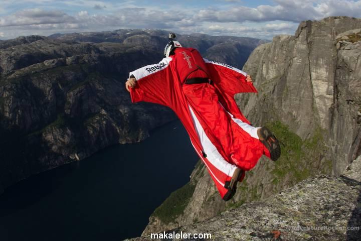 Wingsuit Nedir, Özellikleri ve Tehlikeleri Nelerdir?